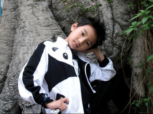 15岁韩国小帅哥生活照
