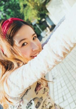 红色发带青春可爱少女民宿风写真