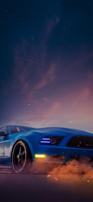 夜空下的跑车