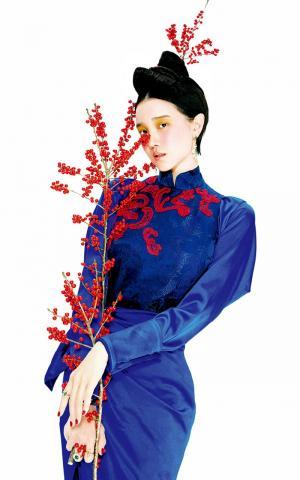 陈小纭高清复古宫廷风演绎个性花样妆容