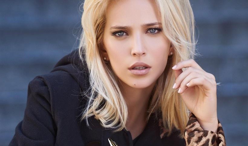 阿根廷美女明星露易丝安娜·洛佩拉托写真集合