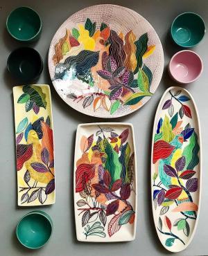 艺术家Shohreh Haghighi的陶器作品