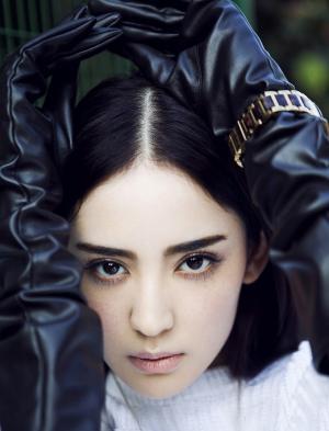 古力娜扎初秋时尚街拍 简洁时尚欧美风