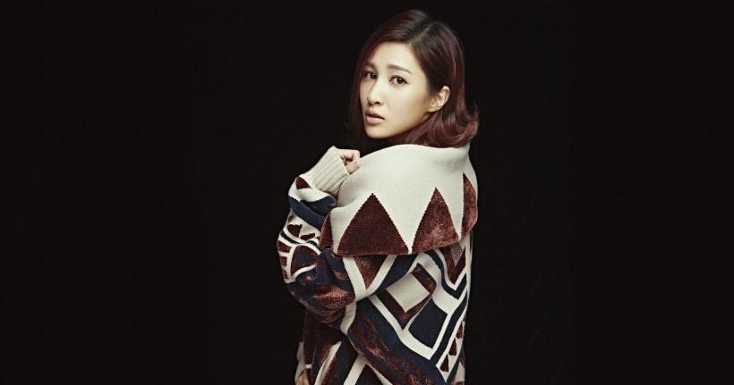 美女演员王倩一复古时尚写真
