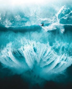 唯美蓝色大海高清风景壁纸图片