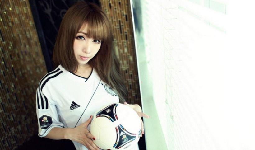 美女足球宝贝写真
