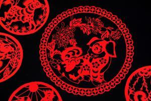 喜庆春节红色窗花图片