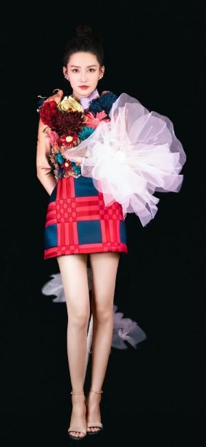 女明星李沁时尚手机壁纸