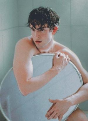 男模浴室图片