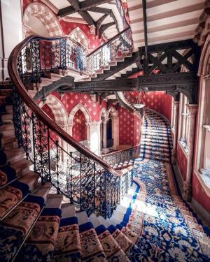 伦敦圣潘克拉斯万丽酒店的楼梯间