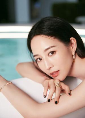 张钧甯清丽短发黑白衣裙优雅气质写真图片