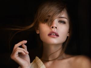 性感俄罗斯美女人体艺术写真