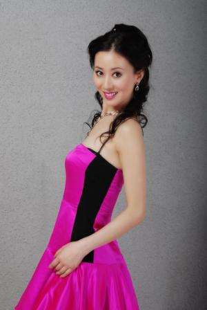 汤加丽粉红色诱惑写真