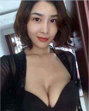 闫盼盼妩媚性感写真图片