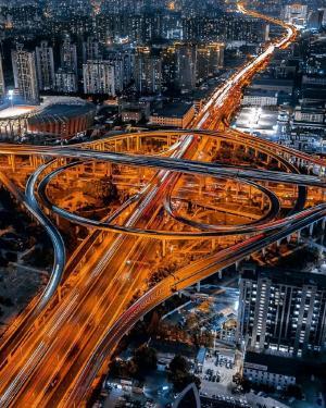 德国摄影师用无人机航拍的魔都上海魔幻迷离超震撼!