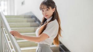 萝莉美女柳侑绮清纯校服写真图片