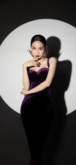 王霏霏黑色性感连衣裙写真手机壁纸