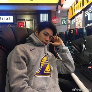 篮球队长吴承焕的颜值肯定不能低 