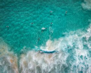 南非开普敦的冲浪者