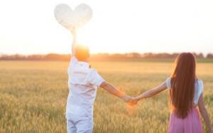 情侣手牵手唯美意境图片