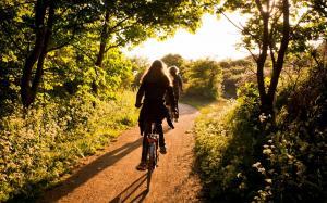 清晨阳光灿烂心情好,运动健身积极正能量
