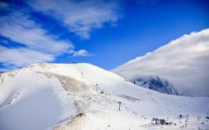 高山雪景壮丽优美自然风光图片