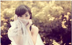 思忆短发美少女薄纱遮面尽显迷人风采