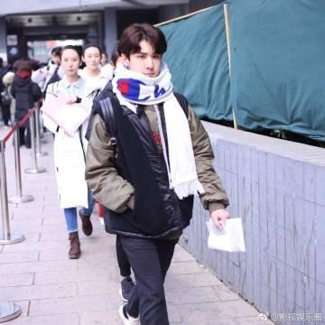 18岁维吾尔族小帅哥吾木提