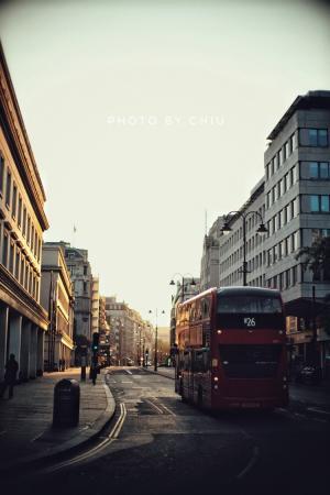 早晨英国伦敦的街道