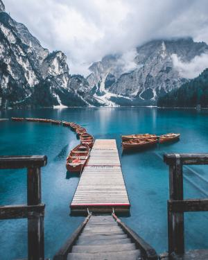 意大利布拉格湖风景高清手机壁纸