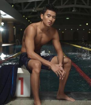 国民男友宁泽涛肌肉身材帅气脸庞泳坛明星