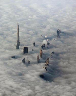 迪拜起雾了