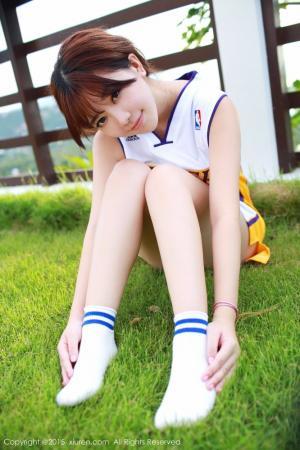 美女主播刘飞儿身穿科比篮球服劲爆写真图片