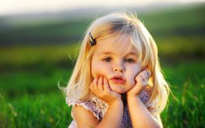 六一儿童节可爱小美女摄影图片