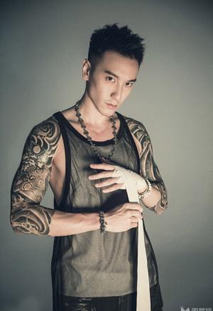 王阳明型男魅力时尚写真