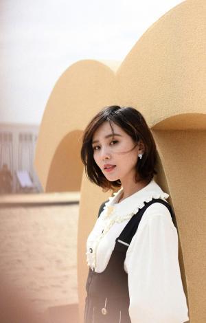 刘诗诗休闲套装时尚写真图片