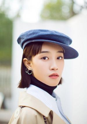蓝盈莹个性帅气时尚风写真图片