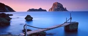 蓝色大海 天空 岩石 平静的海洋 沙滩 铁索桥 3440x1440壁纸