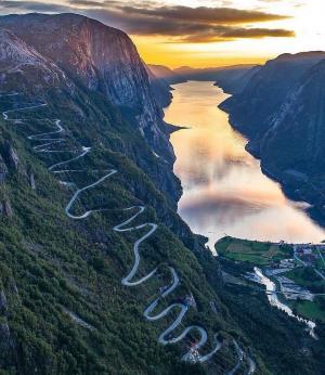 挪威的山路唯美景观图片