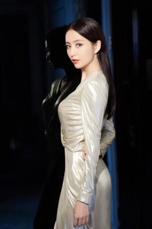 佟丽娅高贵优雅时尚性感写真