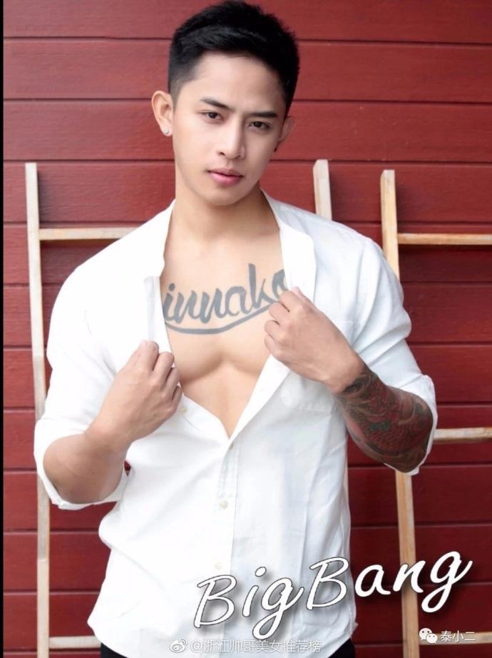 泰国网红男模Bigbank泳池写真照片