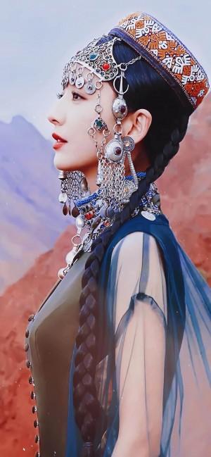佟丽娅新疆服装美艳绝伦写真图片