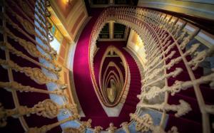 螺旋楼梯建筑壁纸图片