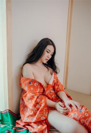 大胸古装美女爆乳开胸性感美腿火辣诱惑写真图片