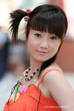 人体模特张筱雨的可爱发型图片