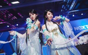 清纯两姐妹cosplay游戏角色写真桌面壁纸