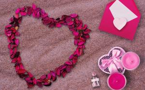 情人节甜蜜爱心静物图片桌面壁纸