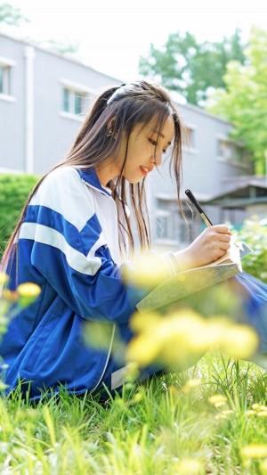 鹿小草清纯校服写真图片