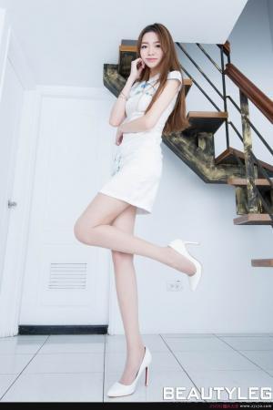 日本腿模Joanna美女祼体图片