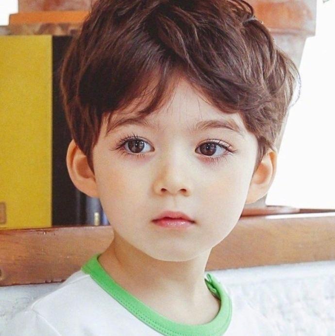 4岁的加韩混血男娃 Cooper